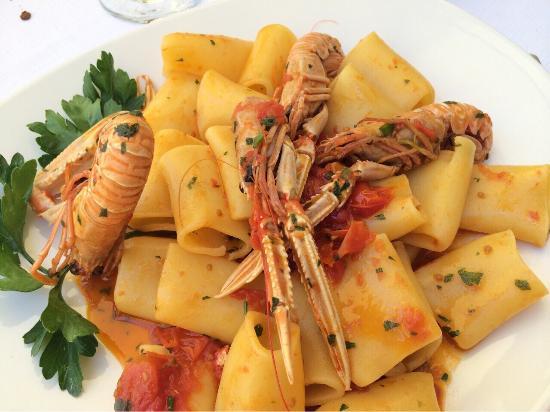 ARAMACAO Ristorante Pozzuoli, il pranzo della domenica sul Lago